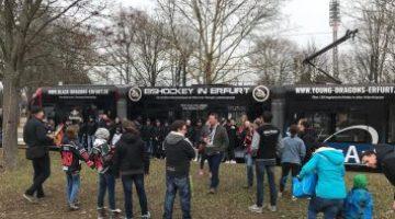Straßenbahnpräsentation Mit Mannschaft Und Fans